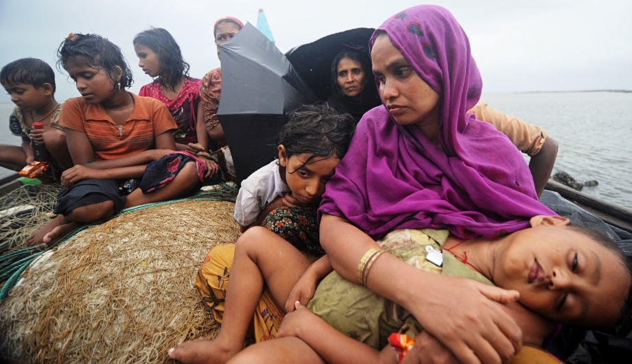 committee-to-suggest-pakistan-s-relief-efforts-for-rohingya-muslims-1433661985-2533